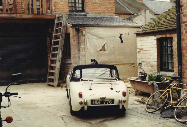 deVOL-kitchens-blog-Paul OLeary-A Guide to Entrepreneurship-cat-Frogeye-car-classic-vintage