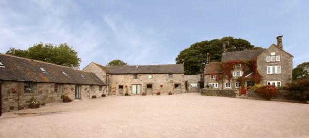 Hamps-Barn-_-Hall-Exterior-web1-604x270