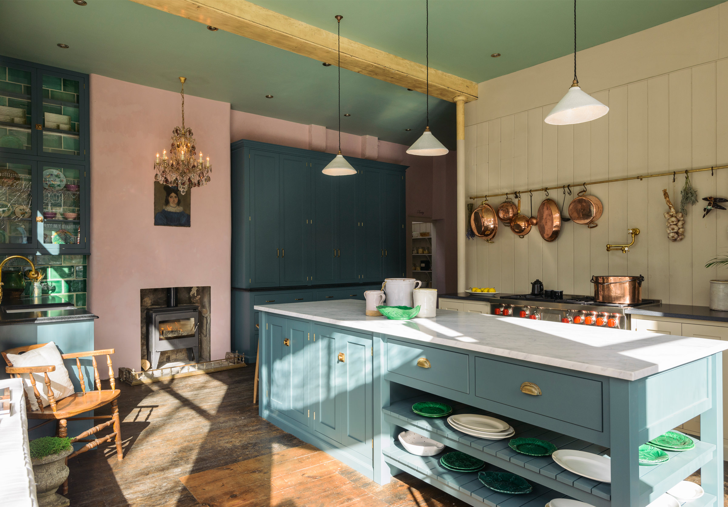 What Is A Kitchen: DeVOL Directory: The St. John's Square Showroom Kitchen
