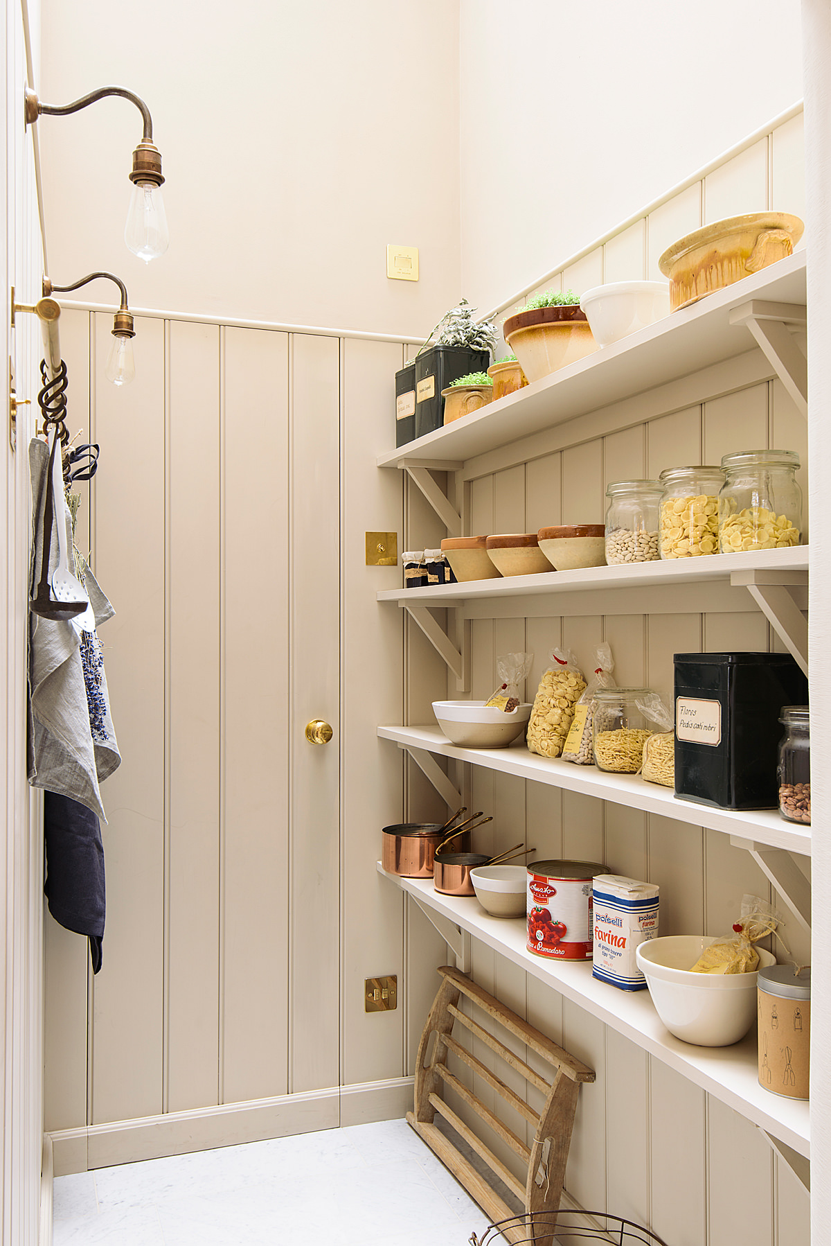 walk-in-pantry-2-