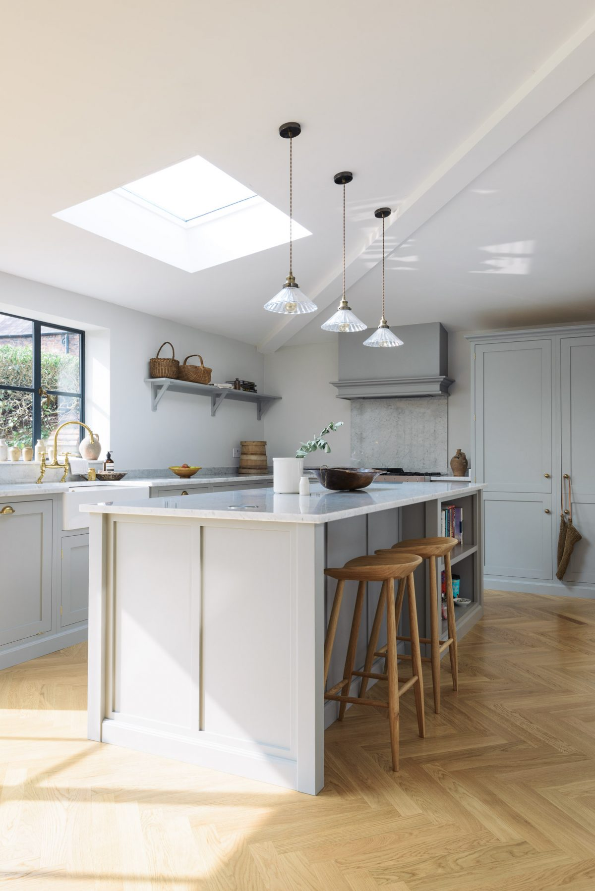 A perfect Kitchen Island - The deVOL Journal - deVOL Kitchens
