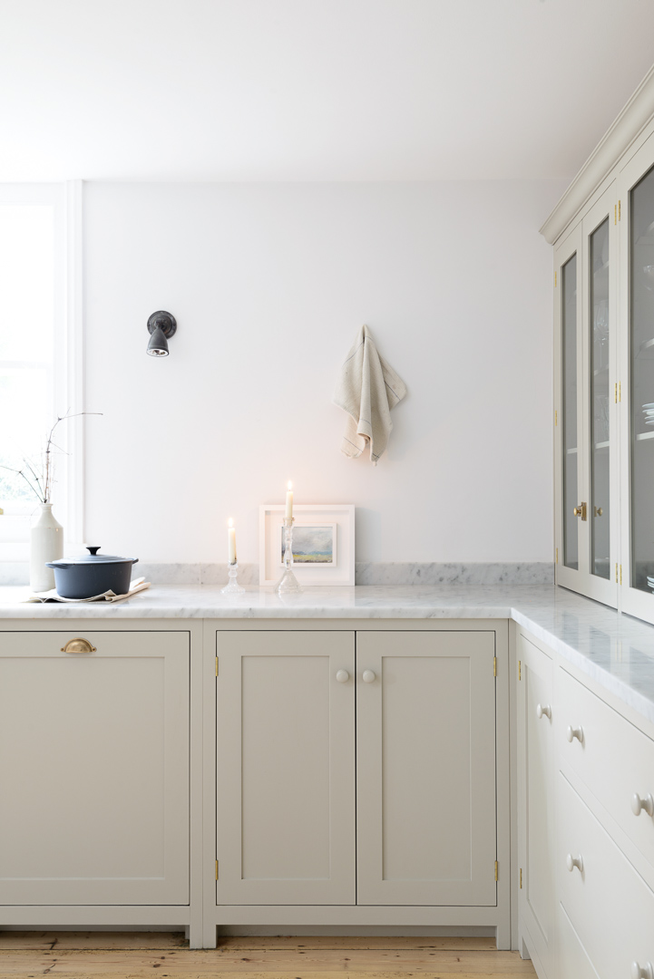 Luxurious Carrara marble worktops in the beautiful Brighton Kitchen
