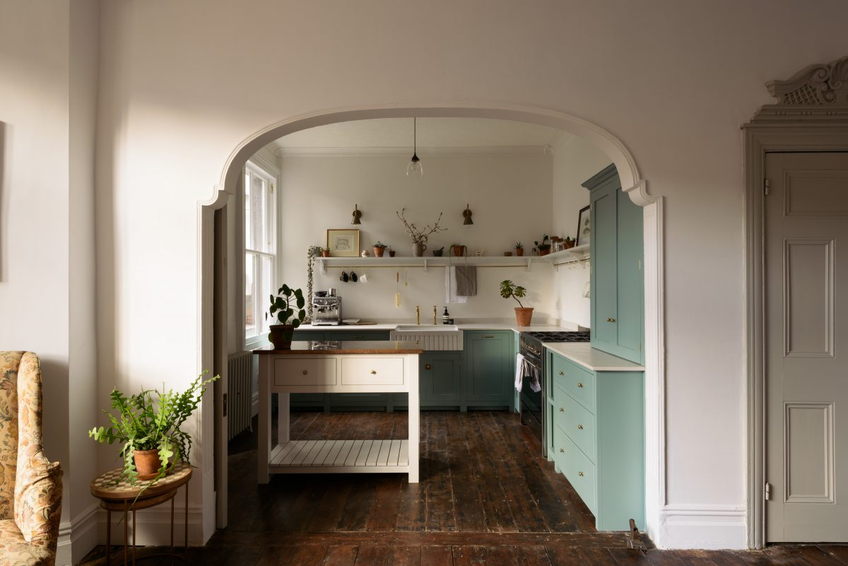 The cupboards in this beautiful kitchen in Cardiff are all from our Real Shaker range.