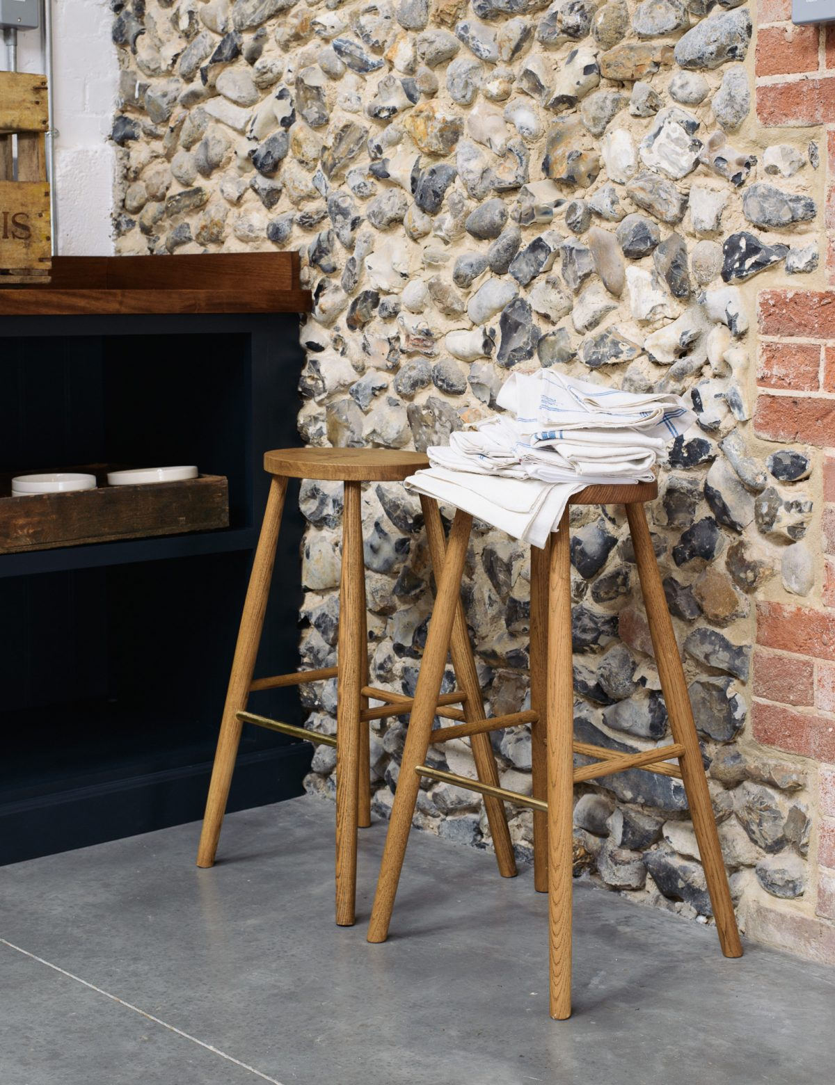 The original cobbled wall adds so much charm and authenticity to this kitchen.