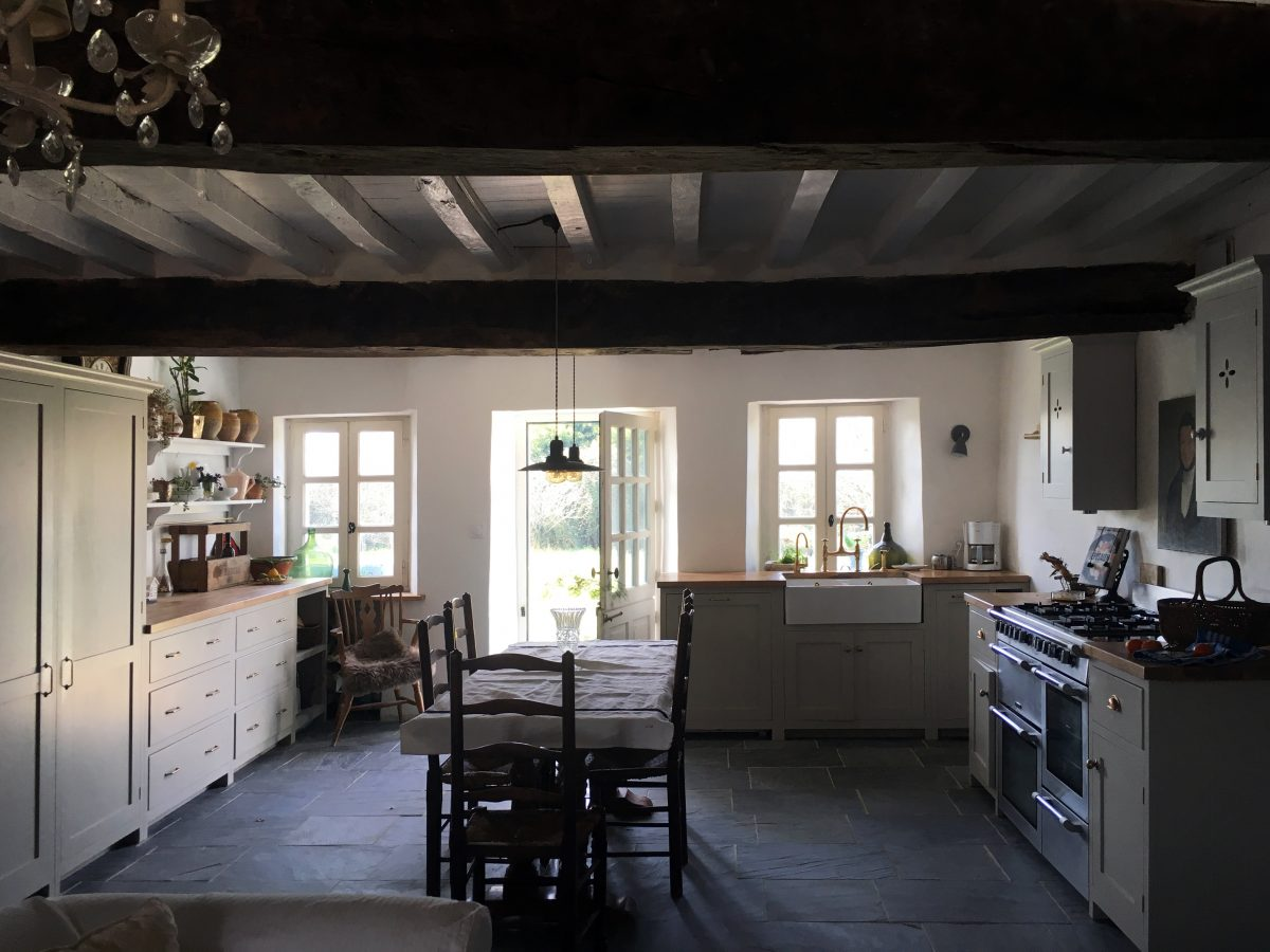 A Truly Authentic Devol Kitchen In South West France The Devol