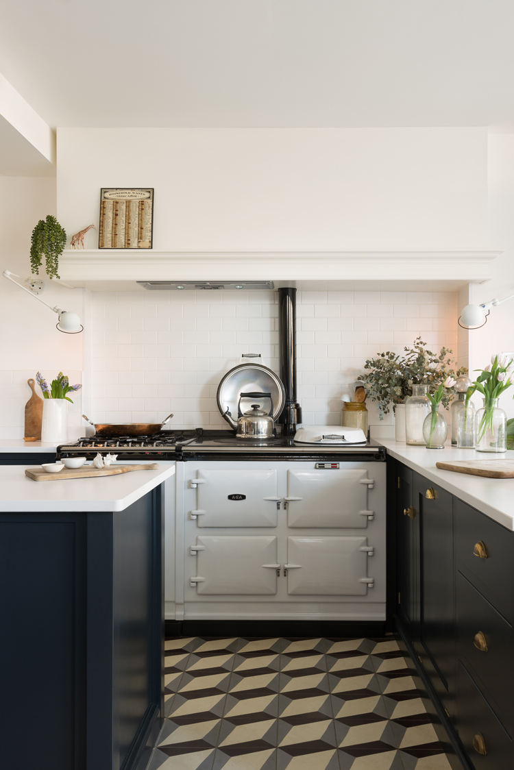 A big white Aga and simple deVOL Shaker cupboards