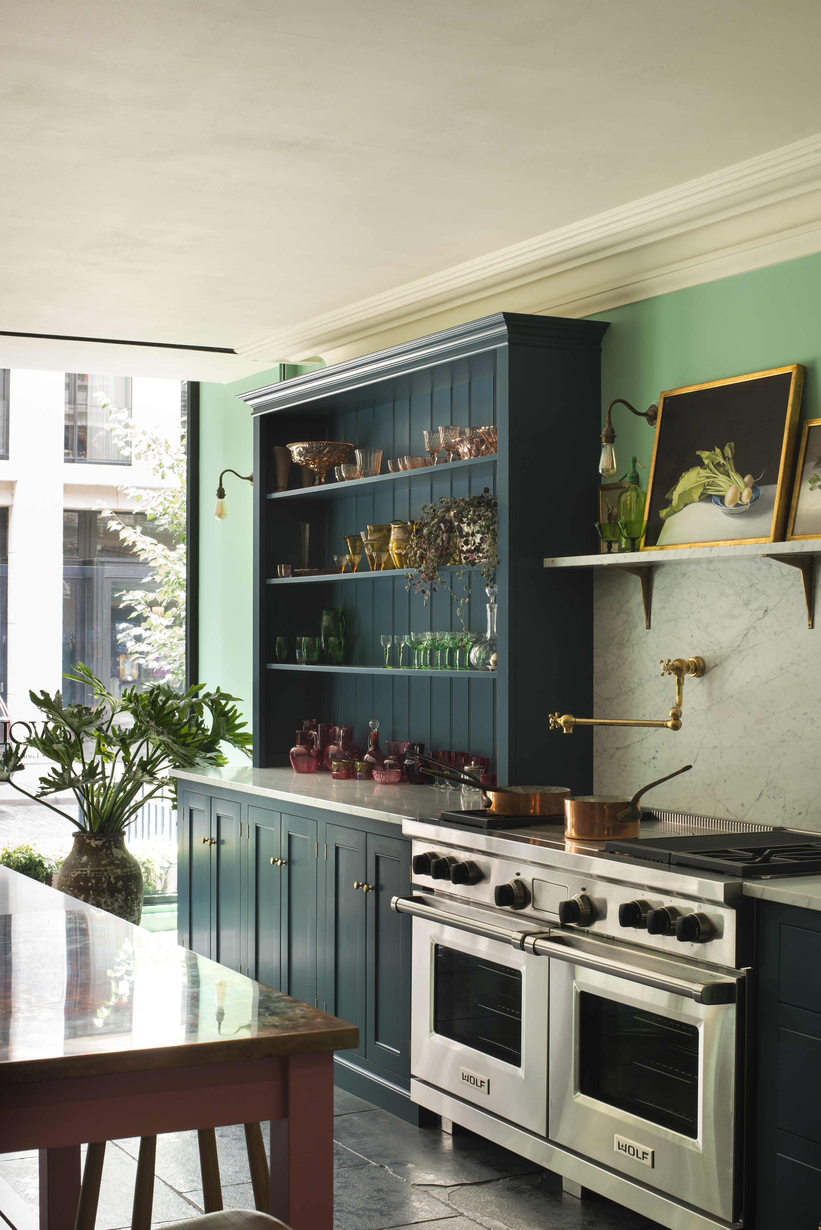 Our Bond Street Showroom In Noho Nyc The Classic English Kitchen The Devol Journal Devol Kitchens
