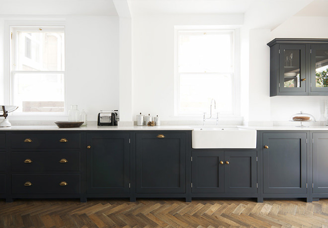 long kitchen, dark blue kitchen, bath kitchen, Shaker, deVOL Kitchens