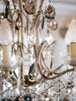 Lamps, Lights & Chandeliers