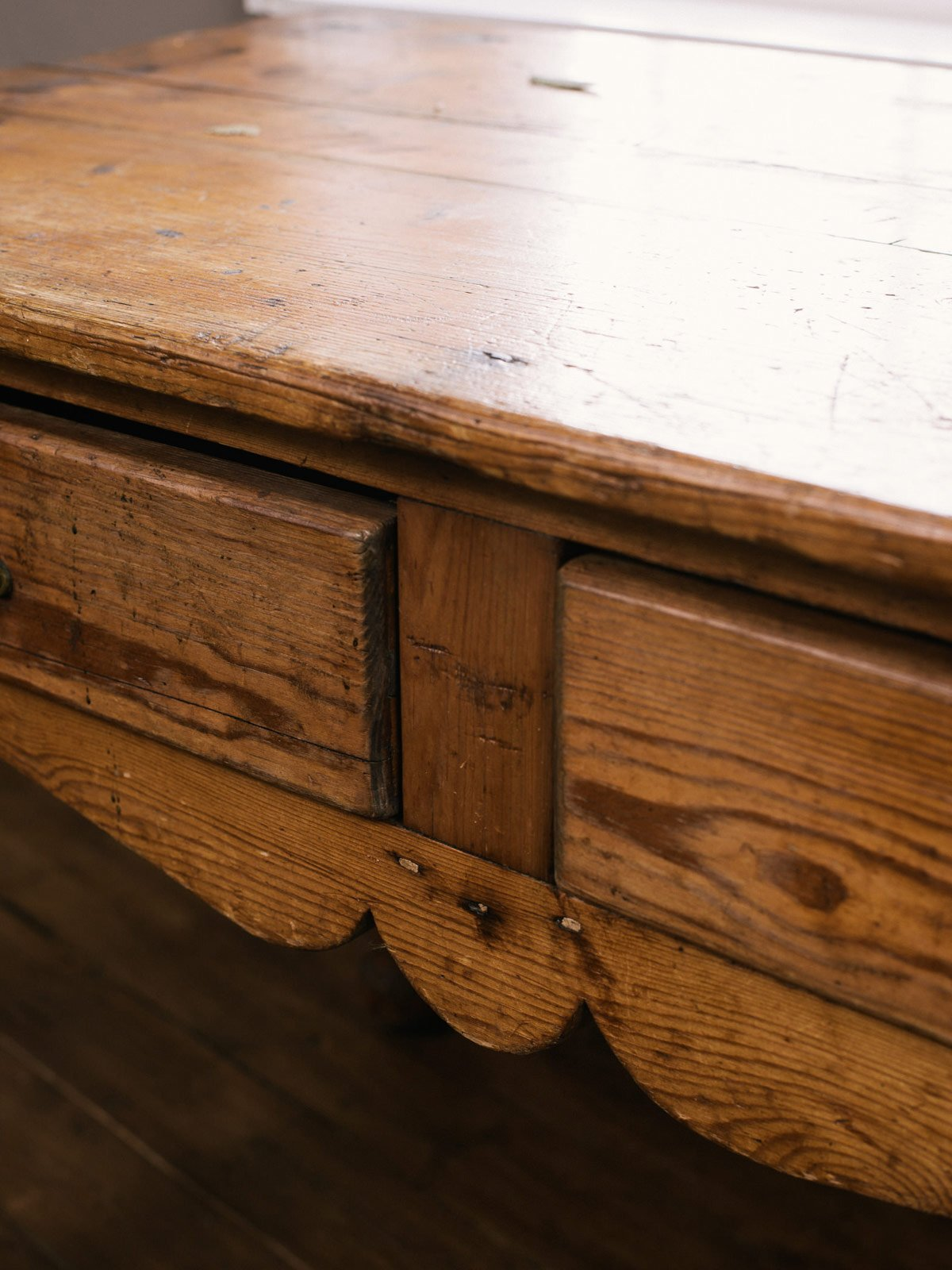 Pine Table with Two Drawers photo 3