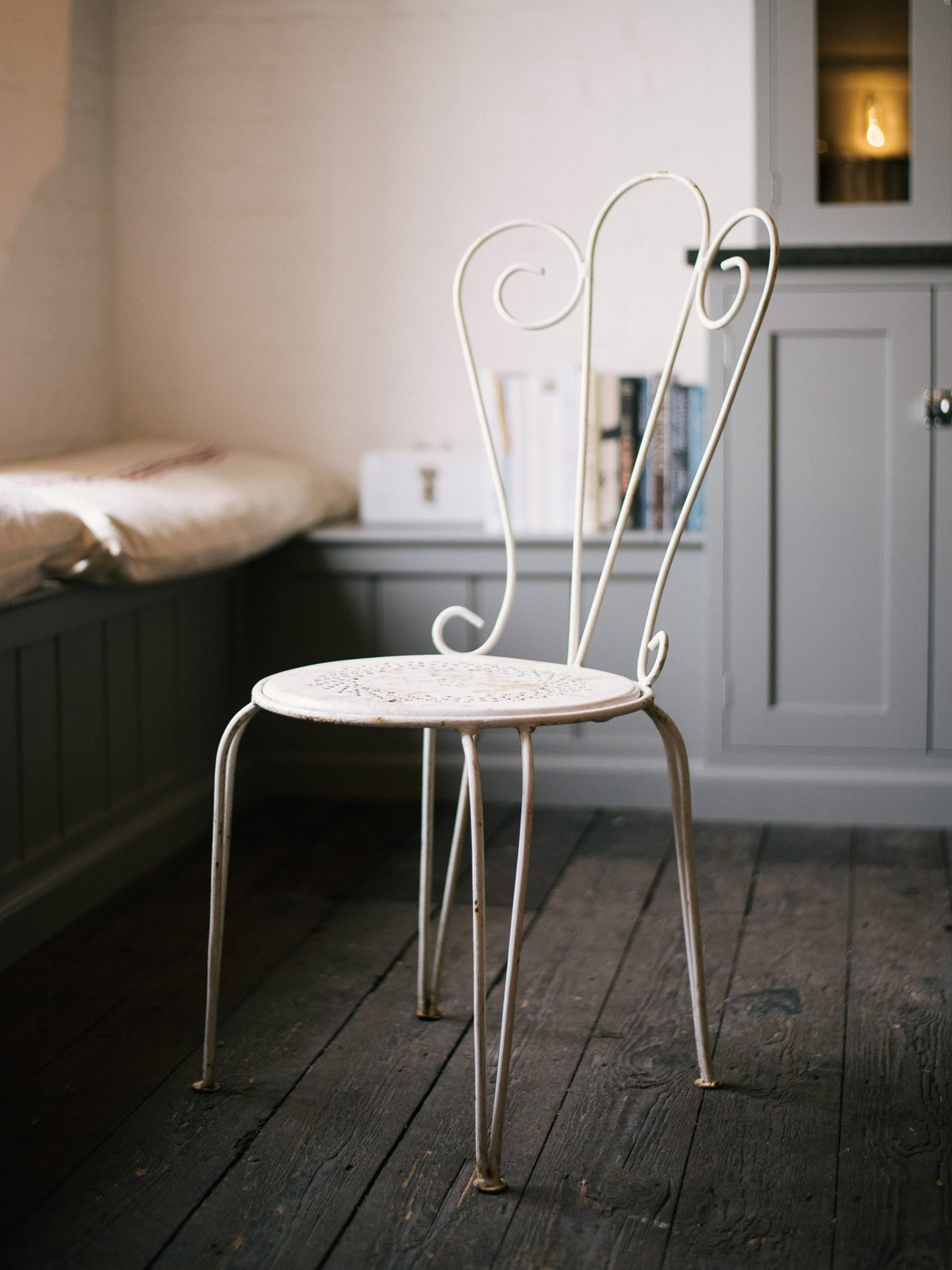 White Painted Metal Garden Chair photo 1