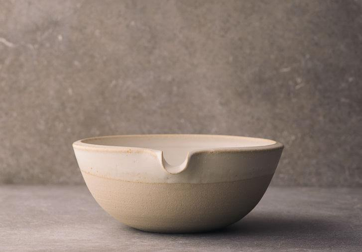 Medium Lipped Pouring Bowl photo 1