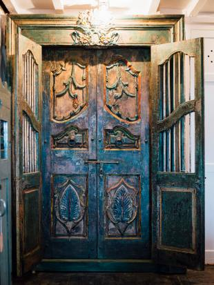 Green Painted Indian Doorway photo 4 thumbnail