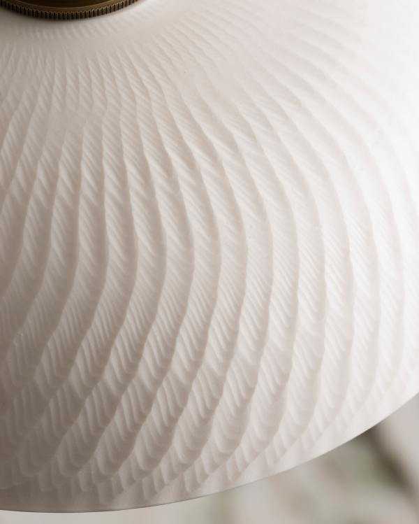 Small Chattered Skullcap Porcelain Light